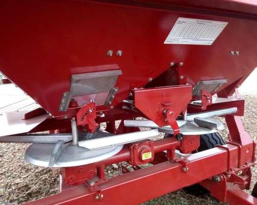 Fertilizadora Syra 4000 Litros