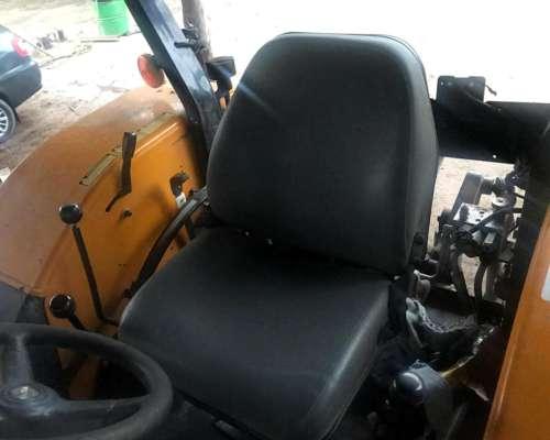 Tractor Valtra A990 con Tres Puntos sin Cabina