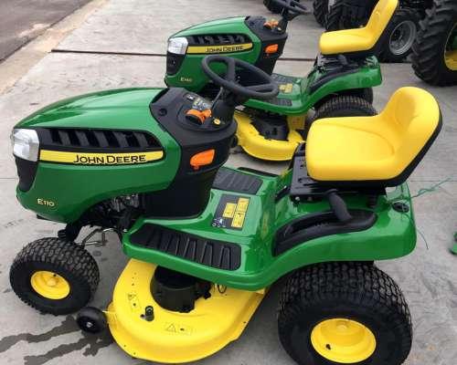 Vendo Tractor Corta Pasto John Deere. E110 y E140