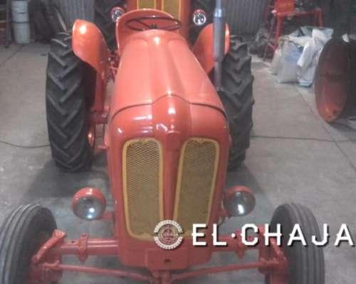 Tractor Fiat 411 Original. Cubiertas Nuevas