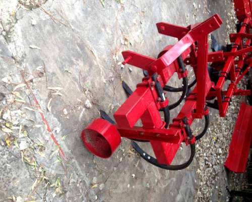 Cincel de 5 Puas para Tractor con Levante de Tres Puntos