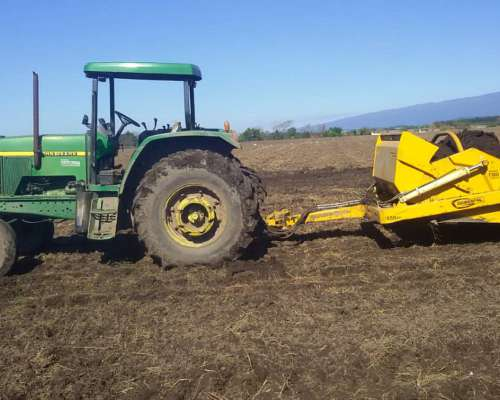 Tractor John Deere año 98