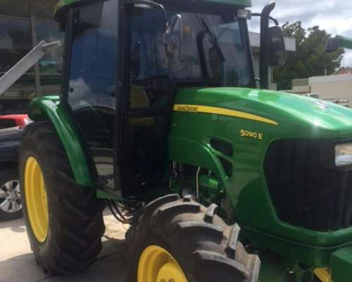 Tractor JD 5090 Powereverse con Cabina