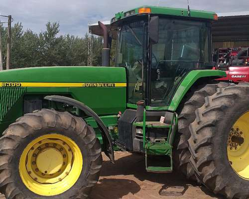 Tractor Jhon Deere 8300- ( 9700 Horas Reales)