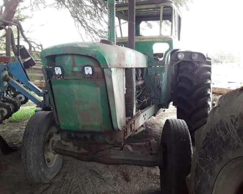 Tractor John Deere 5020 C/motor J D 180 HP