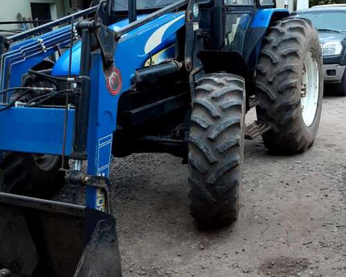 Tractor New Holand con Pala