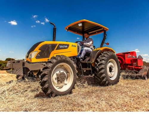 Tractor Valtra a 990 con Inversor