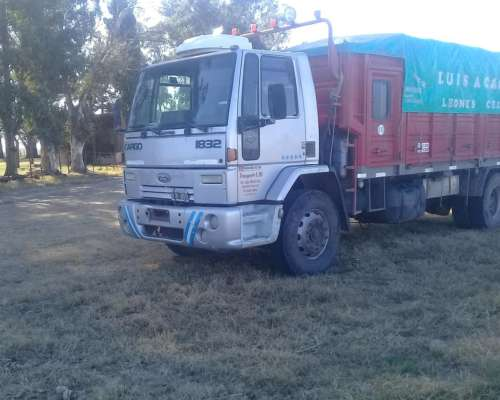 Camion Ford Cargo 1832