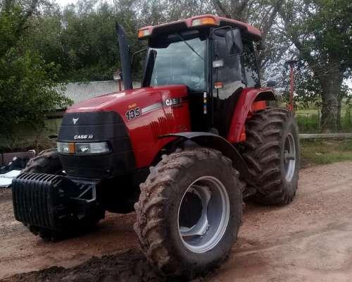 Vendo Tractor Case Maxxum 135