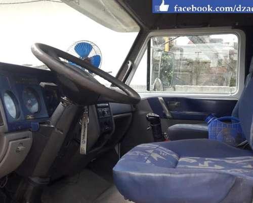 Volkswagen 17-310 con Batea 3 Ejes