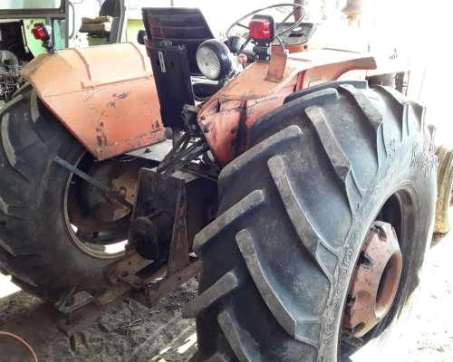 Tractor Tracción Simple. Fiat 650 Usado