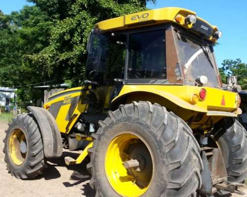 Tractor Pauny EVO 250 año 2013, 4700 HS. Centro Abierto
