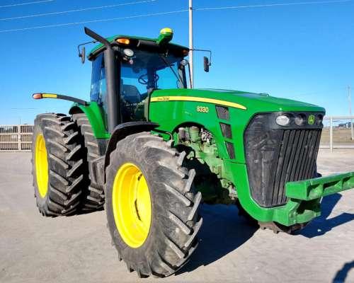 Tractor John Deere 8330, año 2006