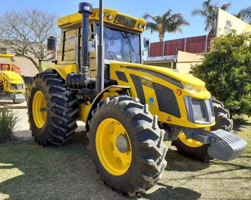 Tractor Pauny EVO 230 de 120 HP, Doble Tracción