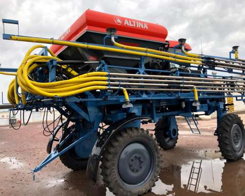 Fertilizadora Automotriz Montana con Fertilizadora Altina