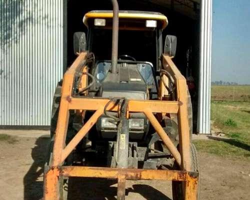 Tractor Valtra 800 C/pala, 10000 HS, Mod. 2003