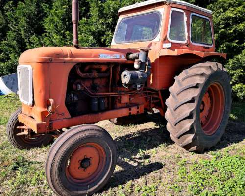 Tractor Fiat - con Toma de Fuerza y Hidraulico