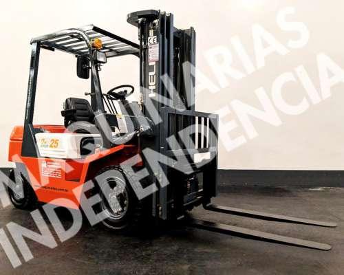 Autoelevador Heli 2500 Kg Diesel Xinchai CPCD25 Desplazador