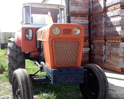 Tractor Fiat 700 muy Bueno