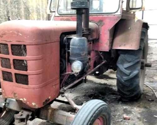 Tractor Fhar 55 -3 Cilindros con Hidraulico y Toma de Fuerza