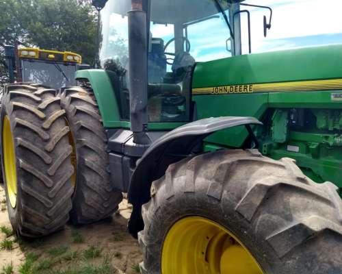 Tractor 8300 John Deere