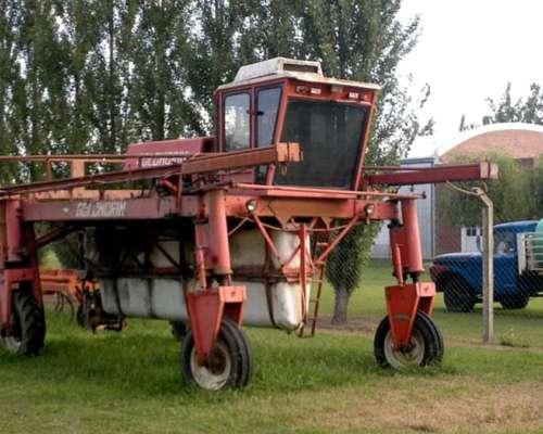 Pulverizador Automotriz Golondrin con Perkins 6-354