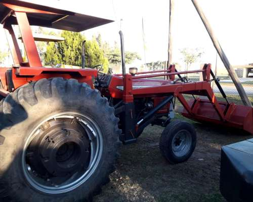 Tractor Massey Ferguson 1475 con Pala