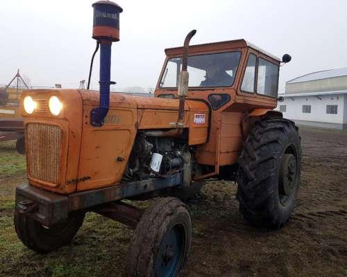 Tractor Fiat 700 e muy Bueno