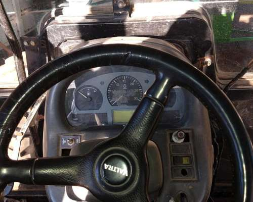 Valtra BH 140 año 2005 Motor Sisu