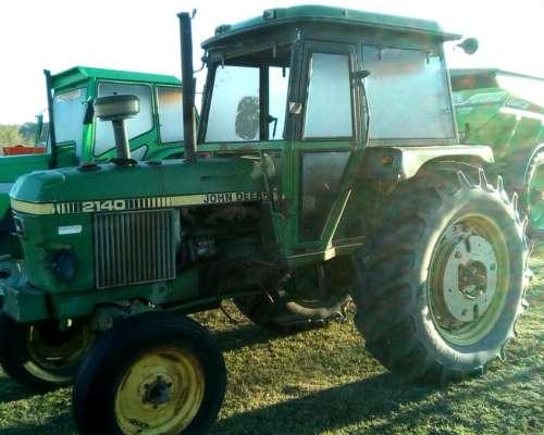 Tractor John Deere 2140