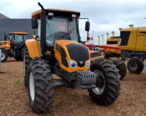 Tractor Valtra A990 30 de Agosto