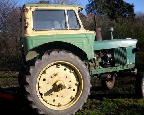 Tractor Johon Deere 2420