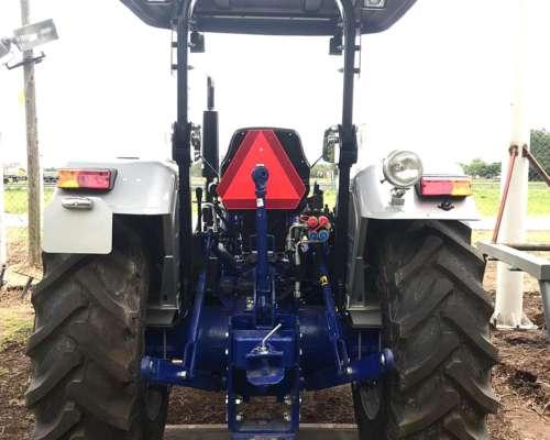 Farmtrac 90hp 4X4 - Equipo Hidraulico y 3 Puntos