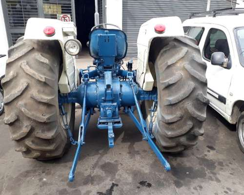 Tractor Ford 4600 3 CIL