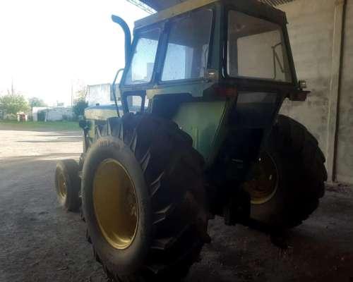 John Deere 4420 Motor 160 HP