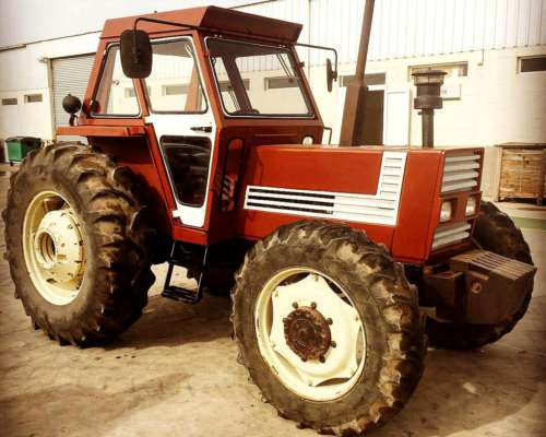 Tractor Fiat 880, año 1989