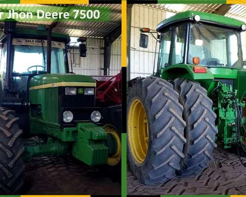 Tractor John Deere 7500,