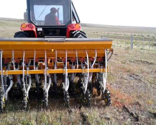 Sembradora de Pasturas SP11