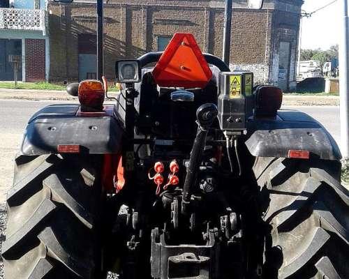 Tractor Compacto Apache 75 NT
