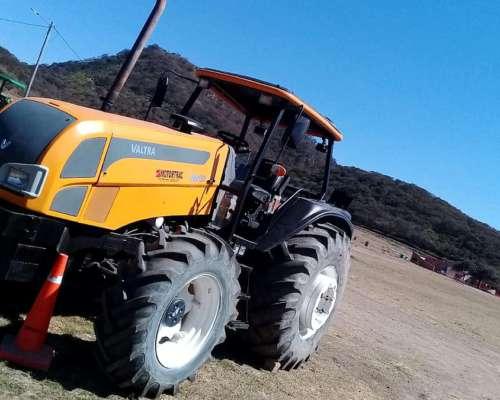 Tractor, Valtra, BM 120, Doble Tracción 4 X 4