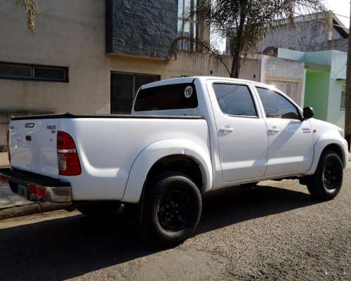 Excelente Estado, Vendo Toyota Hilux 3.0 Tdi 4x2 Año 2015