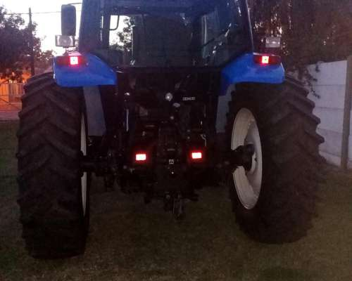 Vendo Tractor New Holland TS 120