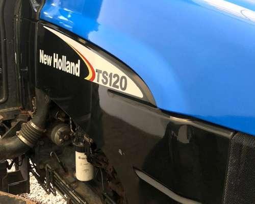 New Holland TS 120