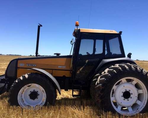 Tractor Valtra BM 120 Doble Tracción