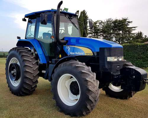New Holland 7020 Semi Powershif 2011 Impecable