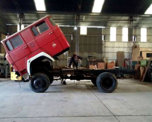 Camion 4X4 Magirus DEUTZ,V6 en Marcha Doble Cabina