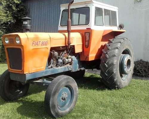 Tractor Fiat 800 con Cabina