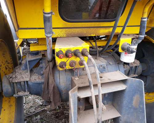 Pauny 280a 180hp 2012 4.300 Hs Centro Cerrado Rod. 24.5x32