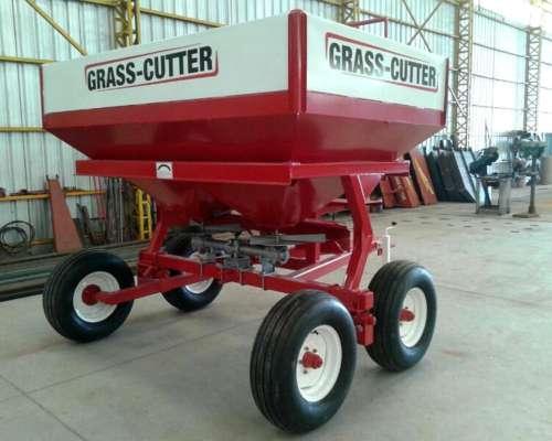Fertilizadora Grass Cutter 3000 Litros