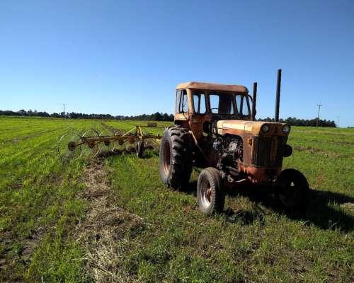 Tractor Case 830 en Buen Estado General